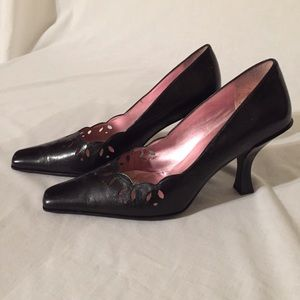 ENZO ANGIOLINI Pointed Toe Pumps